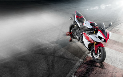 Yamaha YZF R1 WGP wallpaper