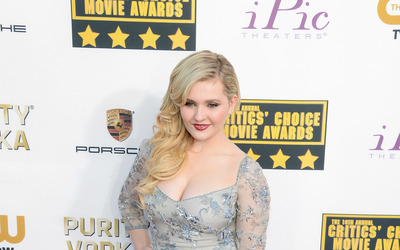 Abigail Breslin [7] wallpaper