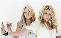 Alyson and Amanda Michalka [2] wallpaper 1920x1200 jpg