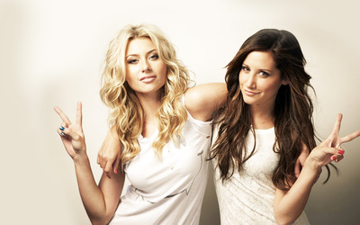 Alyson Michalka and Ashley Tisdale wallpaper