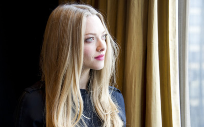 Amanda Seyfried [10] wallpaper