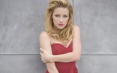 Amber Heard [18] wallpaper