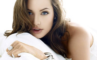 Angelina Jolie [4] wallpaper 1920x1200 jpg