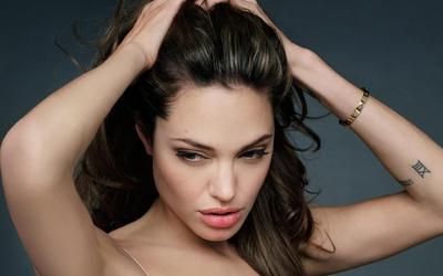 Angelina Jolie [9] wallpaper