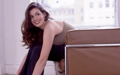 Anne Hathaway [8] wallpaper