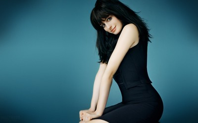 Anne Hathaway [5] wallpaper