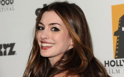 Anne Hathaway [21] wallpaper