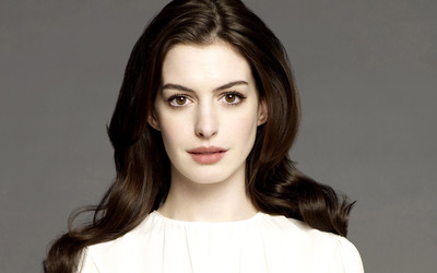 Anne Hathaway [18] wallpaper