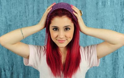 Ariana Grande [22] wallpaper
