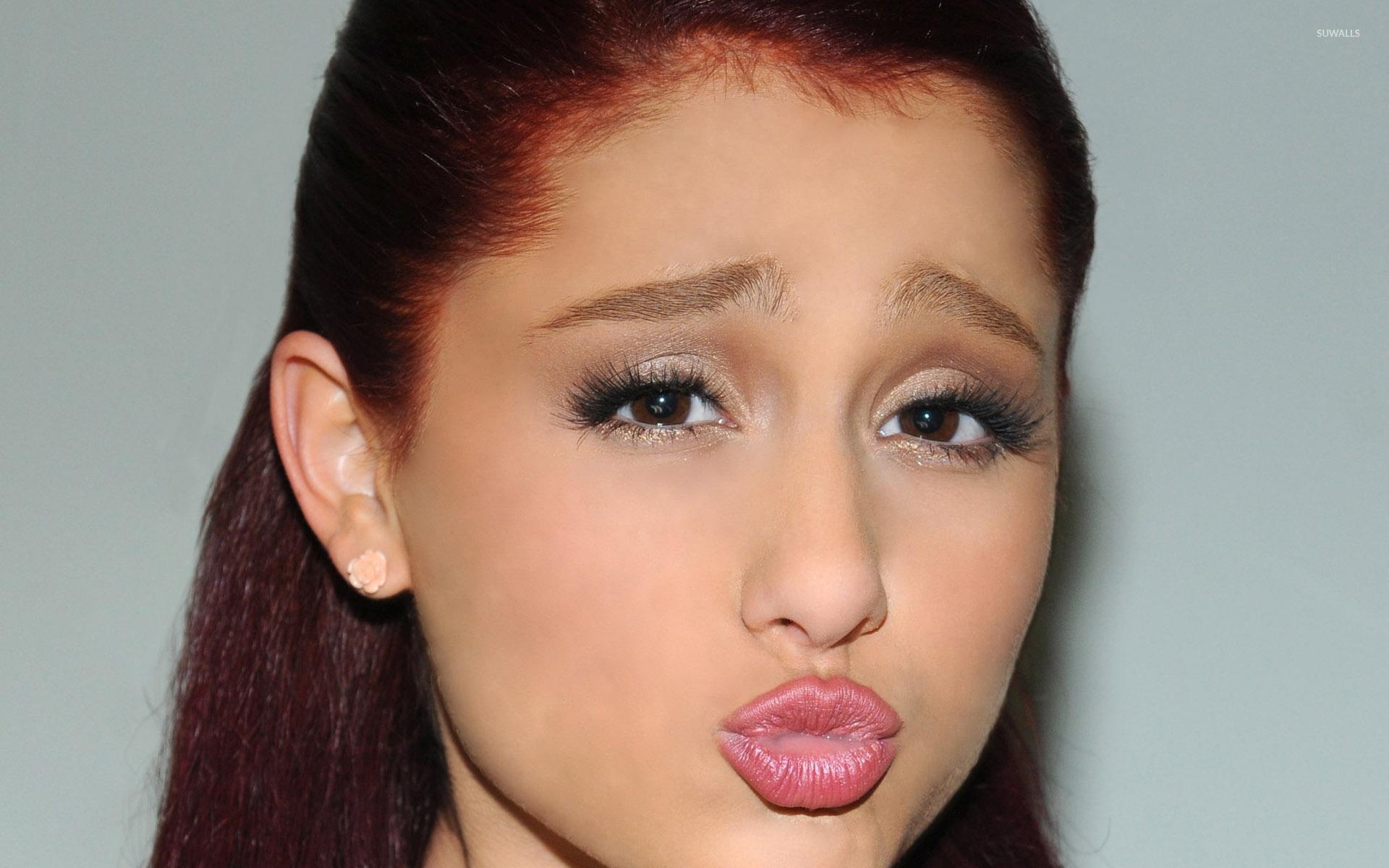 35  Ariana Grande wallpapers HD download free