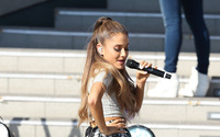 Ariana Grande [26] wallpaper 1920x1200 jpg