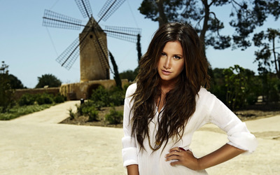Ashley Tisdale [11] wallpaper