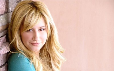 Ashley Tisdale [9] wallpaper