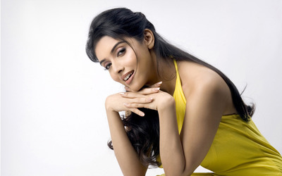Asin Thottumkal [2] wallpaper