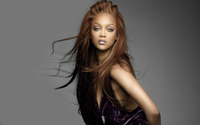 Beautiful Tyra Banks with black top wallpaper 1920x1200 jpg