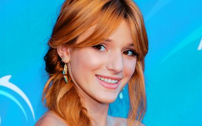 Bella Thorne [8] wallpaper