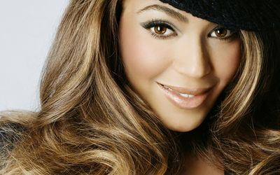 Beyonce with a black hat wallpaper