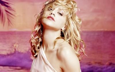 Brittany Murphy [5] wallpaper
