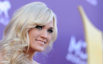 Carrie Underwood [24] wallpaper