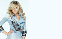 Carrie Underwood in a denim jacket wallpaper 1920x1200 jpg