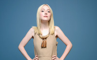 Dakota Fanning [8] wallpaper 2560x1600 jpg