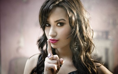Demi Lovato [2] wallpaper