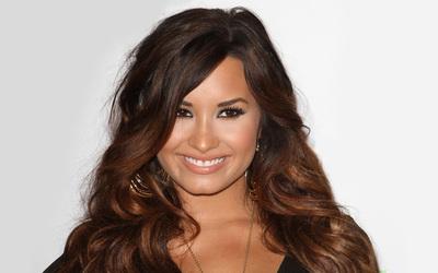Demi Lovato [17] wallpaper