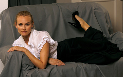 Diane Kruger [18] wallpaper