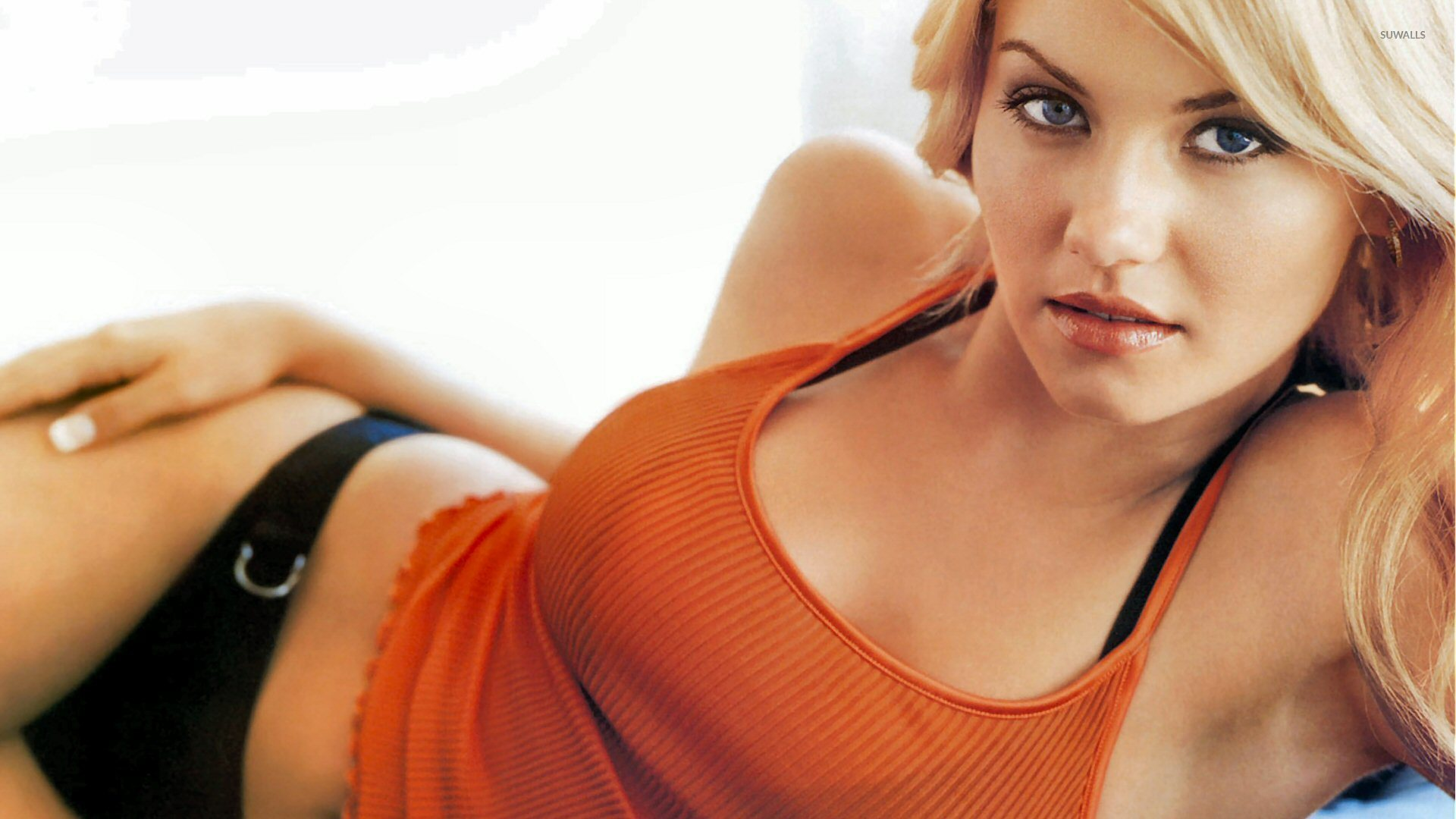 elisha cuthbert celebrity screensaver - photo #17