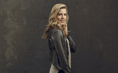 Emily Bett Rickards [2] wallpaper