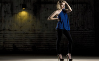 Emma Roberts [10] wallpaper 2560x1600 jpg