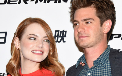 Emma Stone and Andrew Garfield wallpaper
