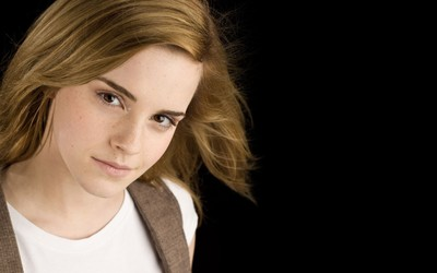 Emma Watson [70] wallpaper