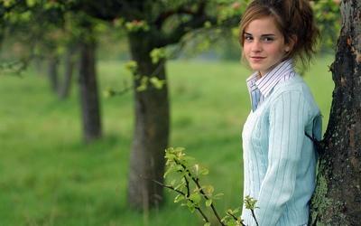 Emma Watson [16] wallpaper
