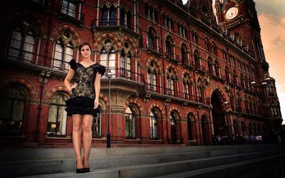 Emma Watson on steps wallpaper