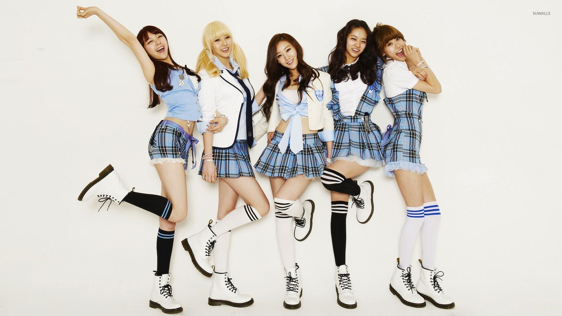 girl's day dressed as schoolgirls wallpaper - celebrity wallpapers