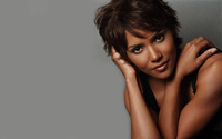 Halle Berry [6] wallpaper 1920x1200 jpg