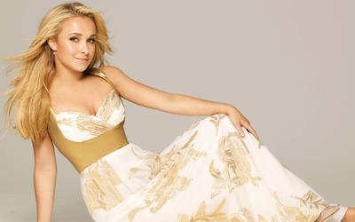 Hayden Panettiere [21] wallpaper