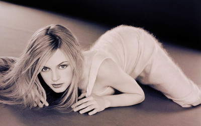Heather Graham [2] wallpaper