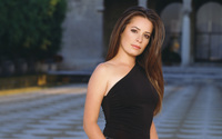 Holly Marie Combs wallpaper 1920x1200 jpg