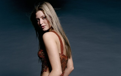 Holly Valance [9] wallpaper