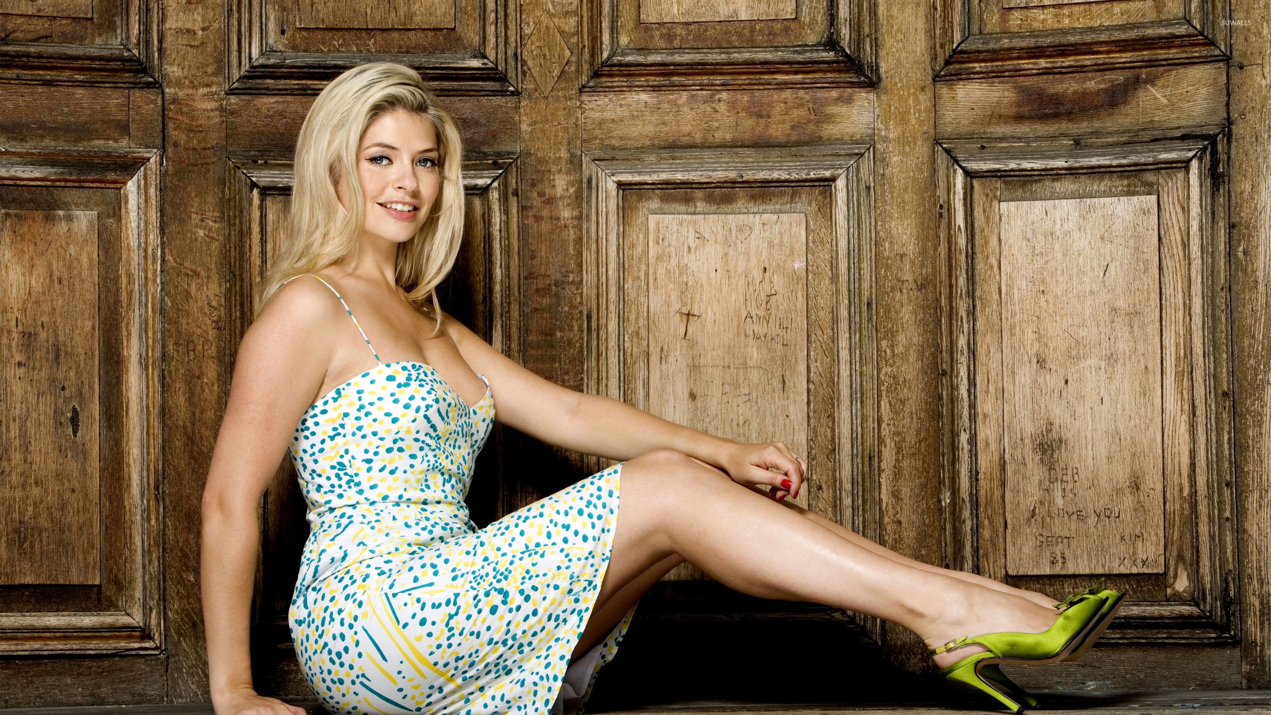 holly willoughby - photo #16