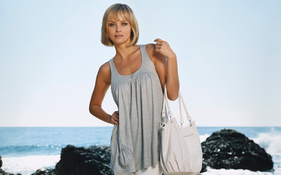 Izabella Scorupco [3] wallpaper