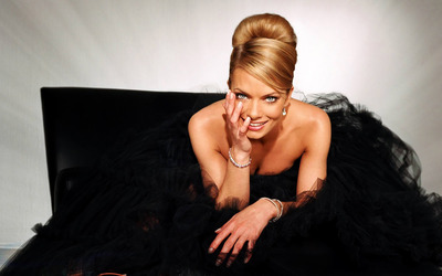 Jaime Pressly [2] wallpaper