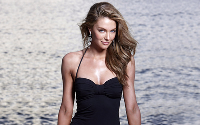 Jennifer Hawkins [8] wallpaper
