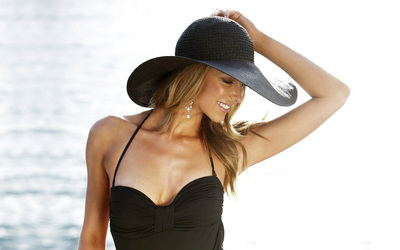 Jennifer Hawkins [11] wallpaper
