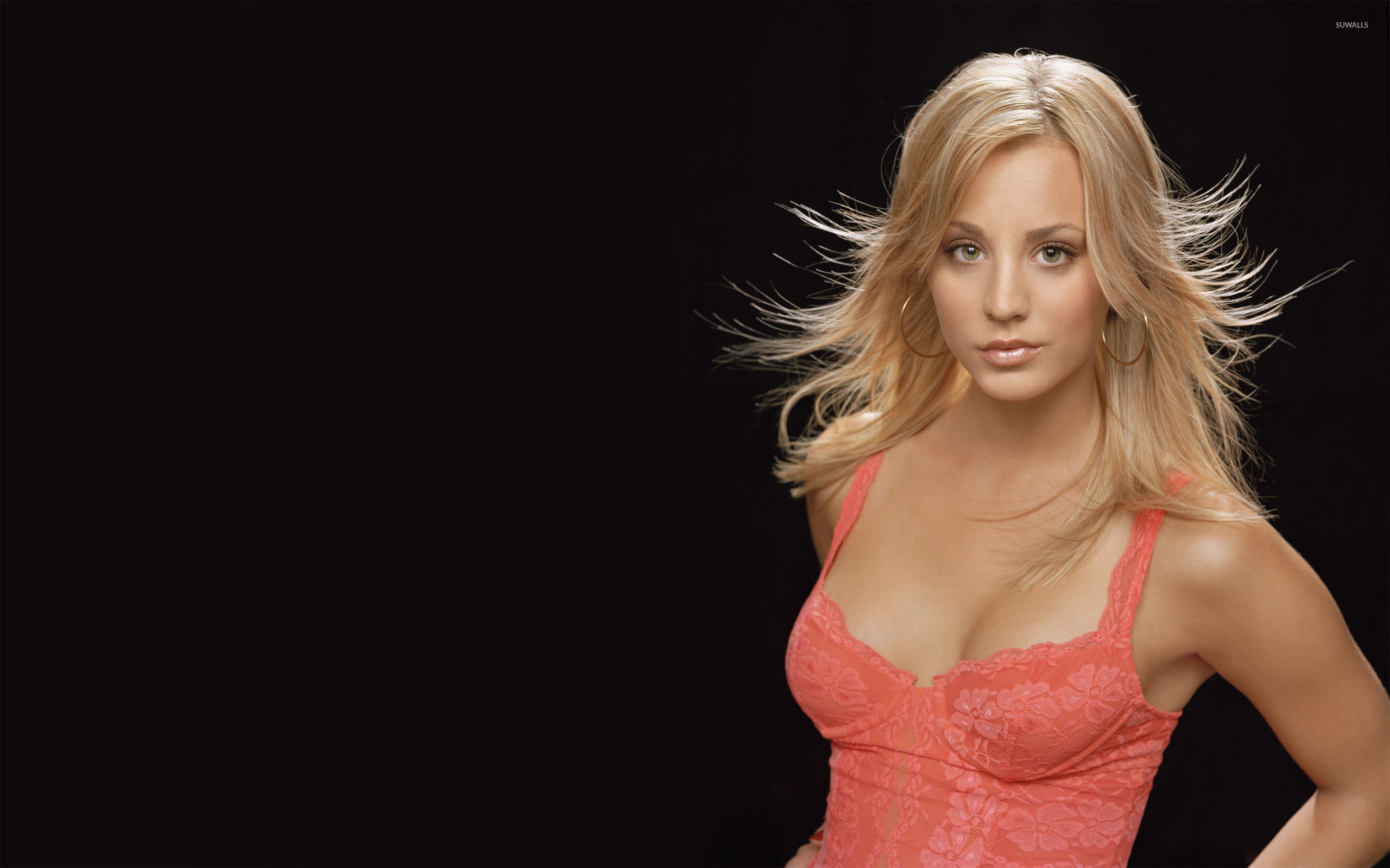 kaley cuoco [3] wallpaper - celebrity wallpapers - #7391
