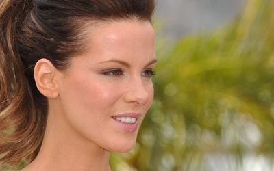Kate Beckinsale [13] wallpaper