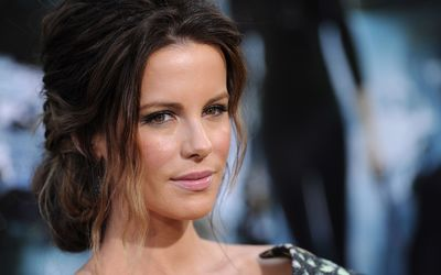 Kate Beckinsale [29] wallpaper