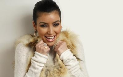 Kim Kardashian [4] wallpaper